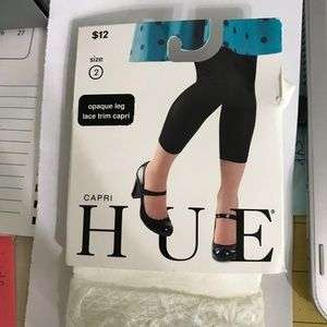Hue Capri White opaque Lace Trim Capri tights